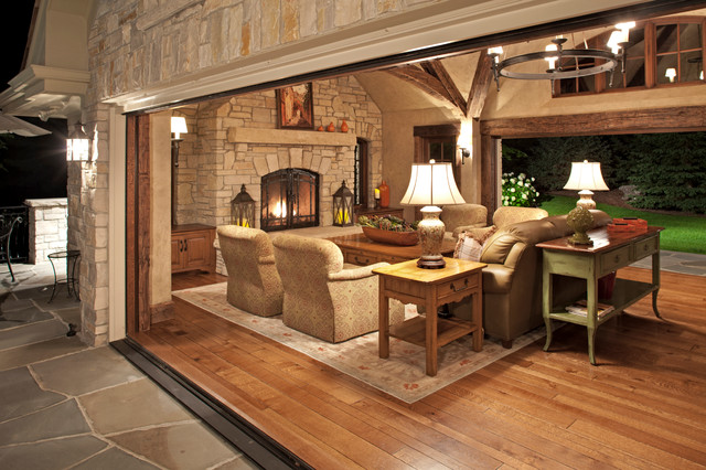 Medina Four Season Retreat Rustic Family Room