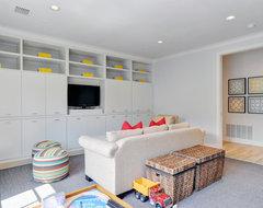 Modern Bungalow modern-family-room