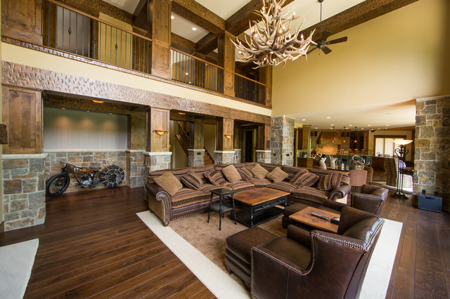 Perfect Mountain Style Family Room Photo In Cleveland