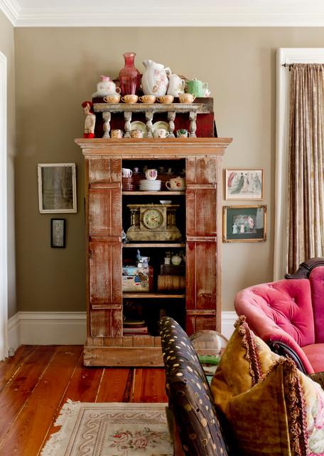 Family room - farmhouse family room idea in New York