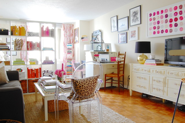 My Houzz: Sweet Sophistication for a Manhattan Studio shabby-chic-style-family-room