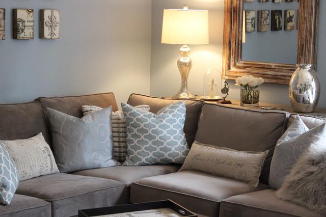 Charmant Elegant Family Room Photo In Vancouver