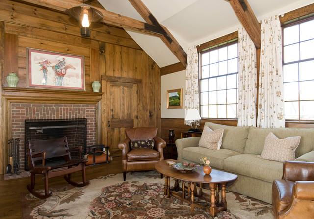 New Hampshire Farmhouse farmhouse-family-room