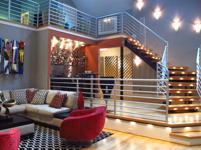 New York Style Loft In Traditional Greensboro Home Modern Wohnzimmer