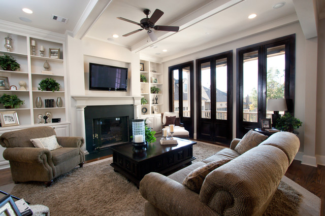 North Bay traditional-family-room