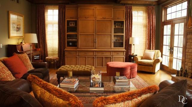 Oakbrook Homes- Julie Massey traditional-living-room