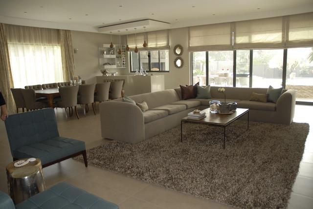 oniroco contemporary-family-room