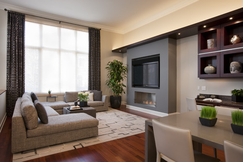 Family Room with Fireplace and TV 500 x 334