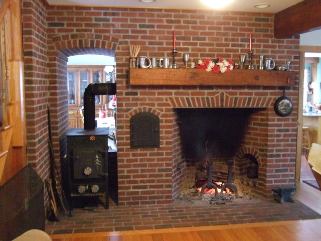 Fireplace with niche and stove Christmas video https://www.facebook.com/photo.php?v=133562036704191