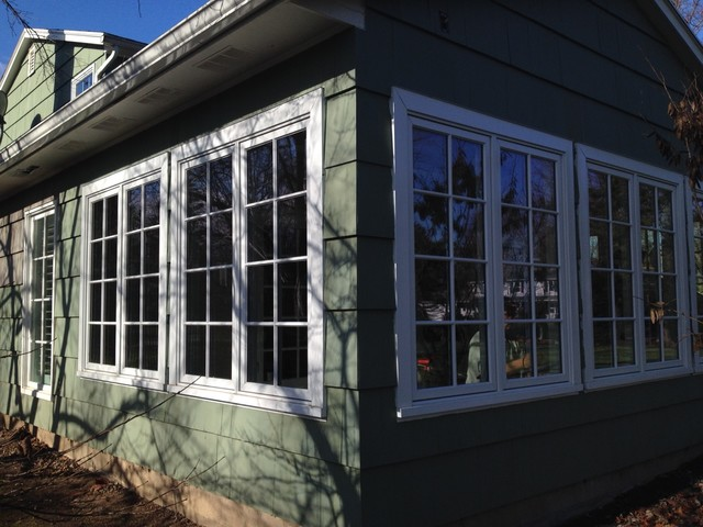 Pella architect series casement windows with divided lites for Pella casement window screens