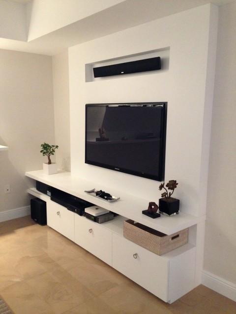 Peninsula2/Aventura contemporary-family-room