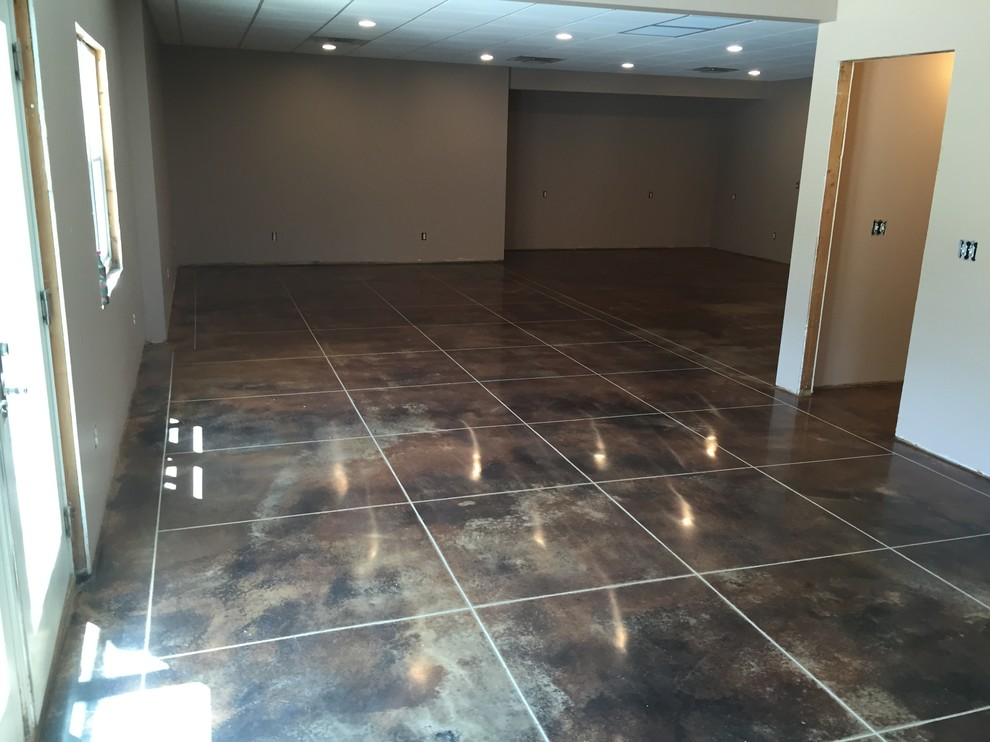 Stained Concrete With Custom Tile Cuts, How To Cut Concrete Flooring