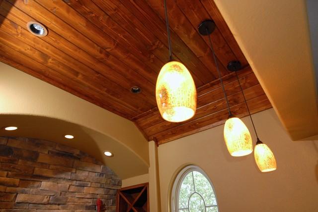 RaeLynn Callaway traditional-family-room