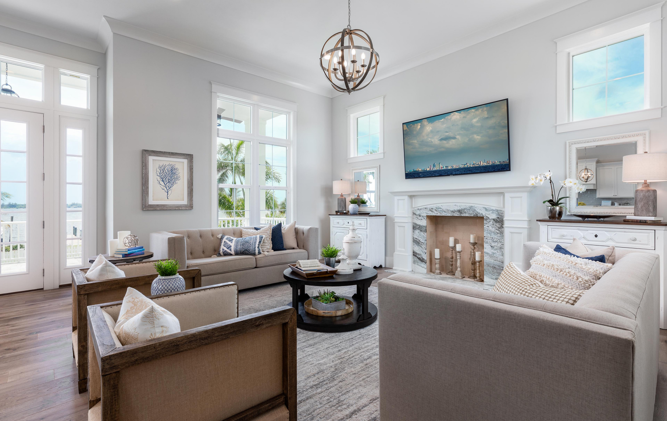 75 Beautiful Vaulted Ceiling Family Room Pictures Ideas January 2021 Houzz