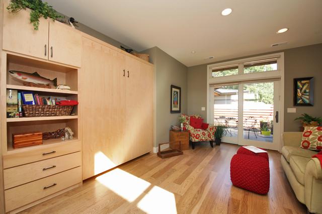 Reiner contemporary-family-room