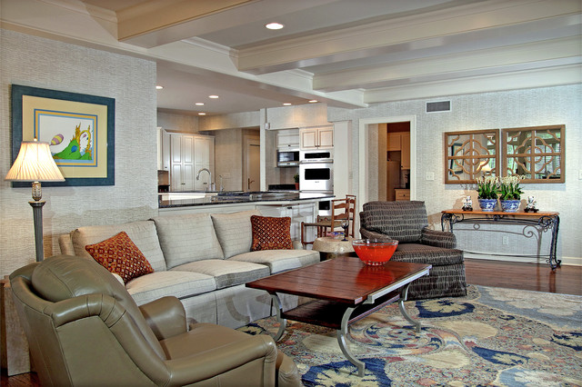 River Hills updates contemporary-family-room