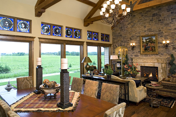 Royal Oaks Design, Inc. traditional-family-room