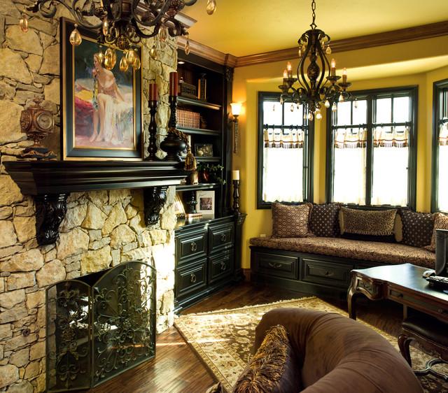 RSCRTR traditional-family-room