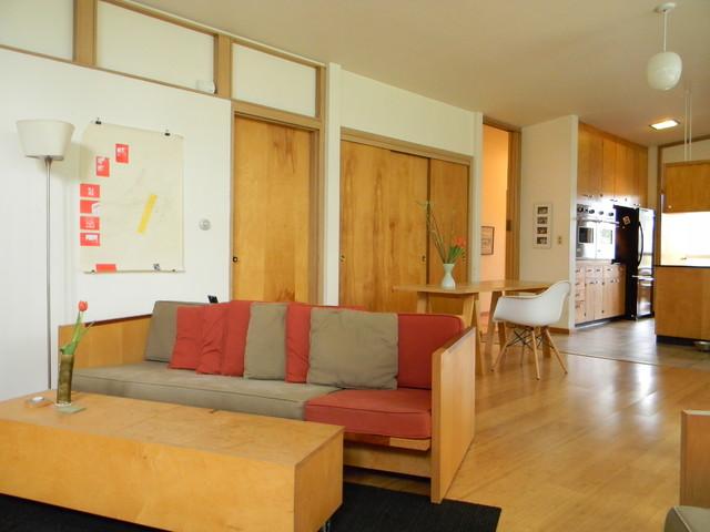 modern family room by Kimberley Bryan