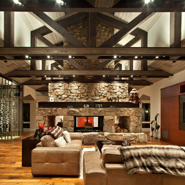 Family Room Photos: Rustic Family Room