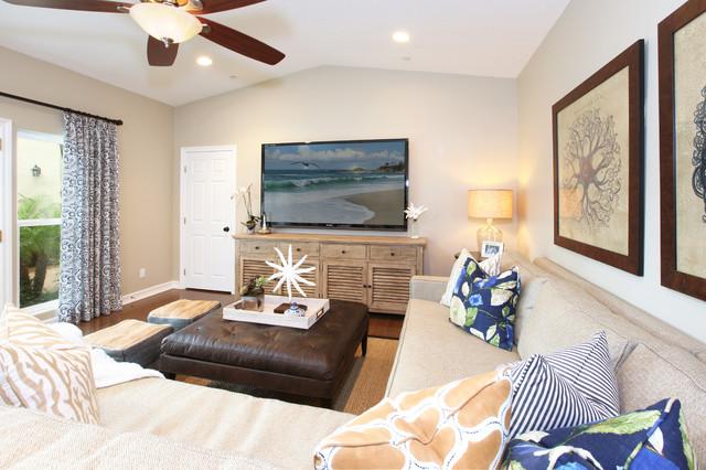 San Clemente I Beach Style Family Room Orange County