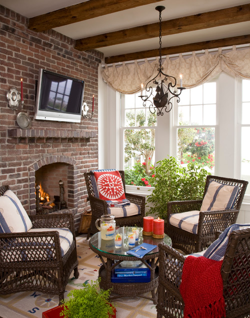 traditional-family-room Wicker Conversation Sets