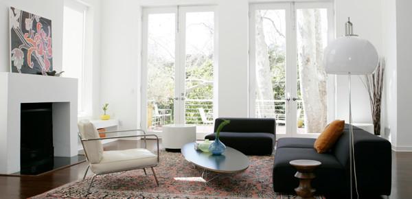 Santa Monica modern-family-room