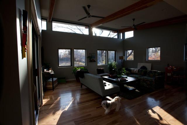 Scantlin Residence modern-family-room