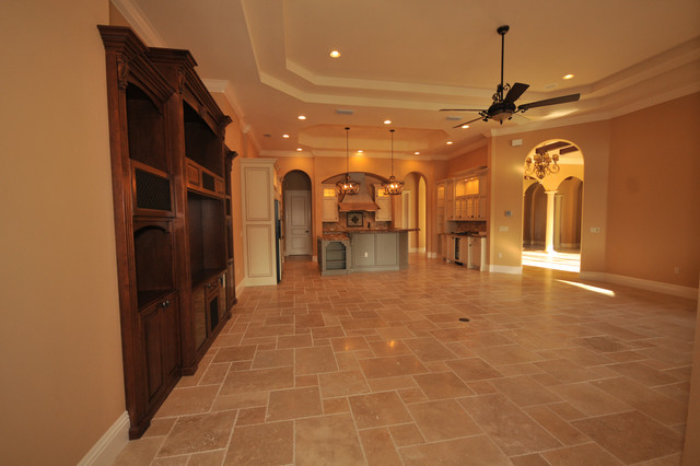 Smith-Donohue House (By: Tolaris Homes) mediterranean-family-room