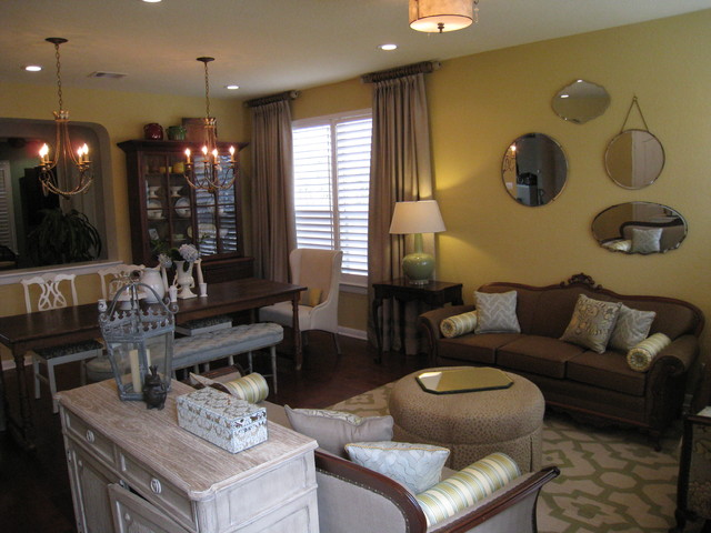 Southing Living traditional-family-room