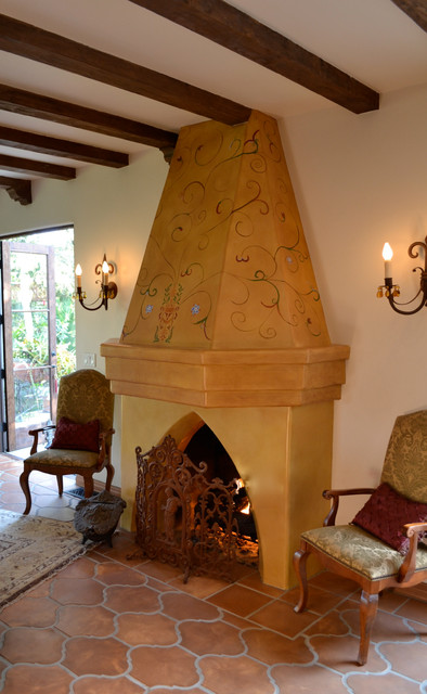 Spanish colonial revival for Spanish colonial revival living room