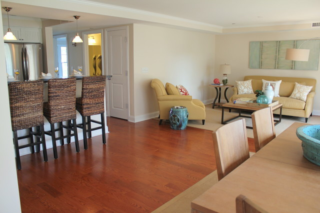 Staged condo in Narragansett Rhode Island traditional-family-room