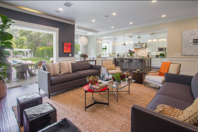 Transitional family room photo in Los Angeles
