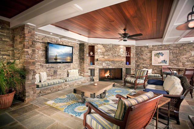 Superbe Stone Wall Living Room With Custom Furniture Traditional Family Room