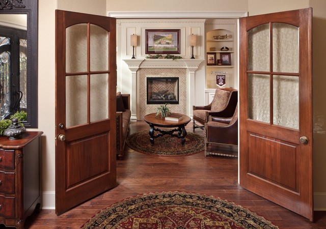 Study traditional-family-room