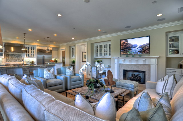Summer House Traditional Family Room Orange County