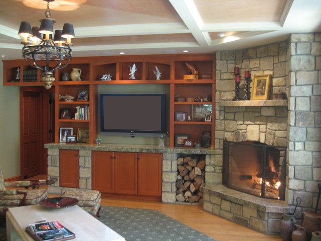 River House traditional-family-room