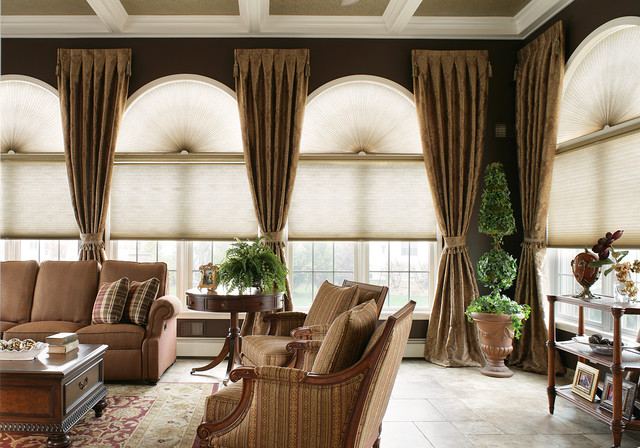 Large Living Room With Arched Windows Traditional Family Room