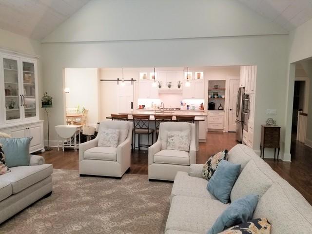 Elegant family room photo in Cleveland