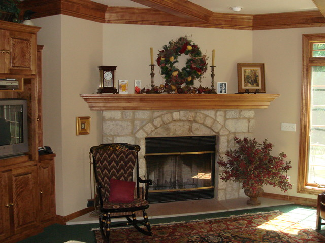 Traditional traditional family room
