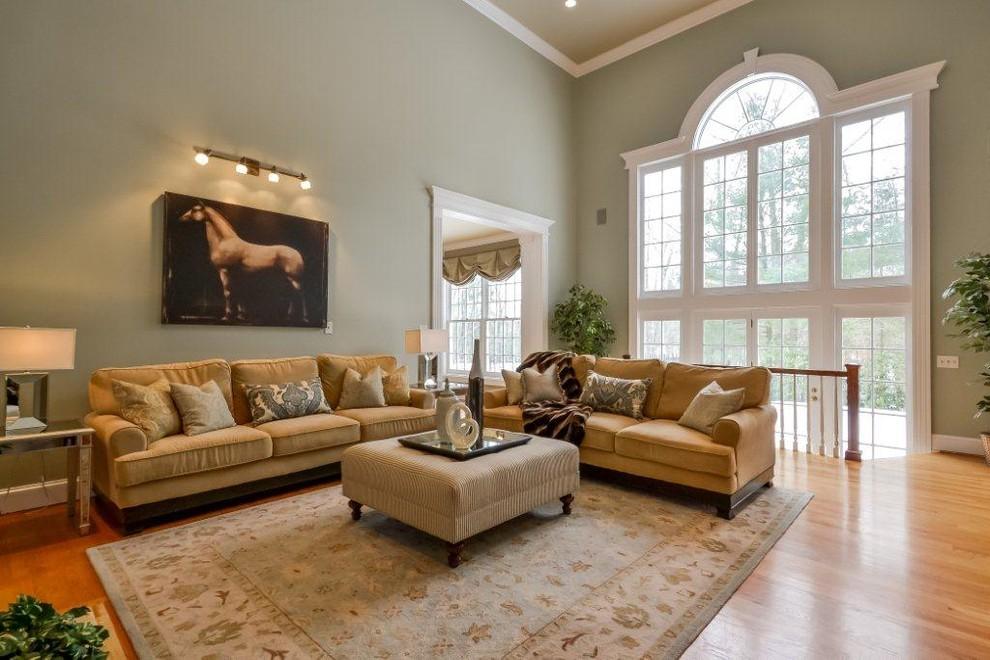 Elegant family room photo in Providence