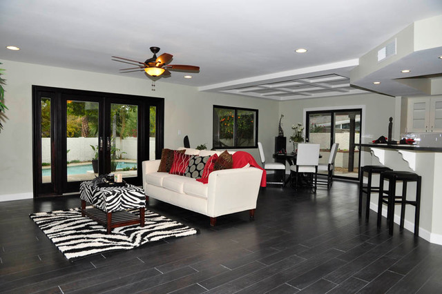 Transitional traditional-family-room