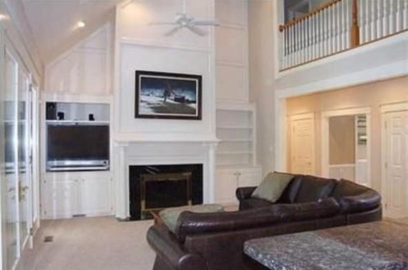 Elegant family room photo in Columbus