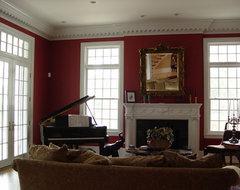 Twin Oaks Plantation traditional-family-room