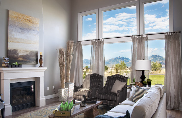 Candlelight Homes Valley View Model - Sun Valley Design. traditional family room