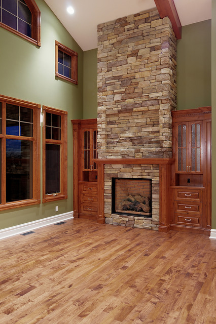 Vaulted great room - Traditional - Family Room - Calgary ...