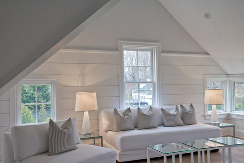 What type of wood is used for the horizontal panelling?