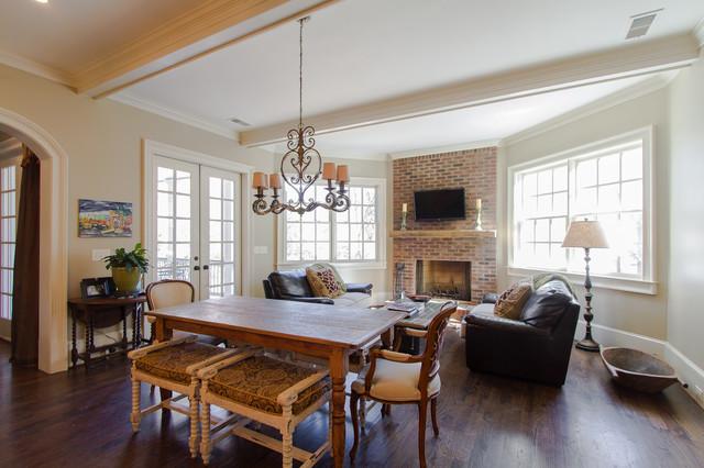 Vinings traditional-family-room