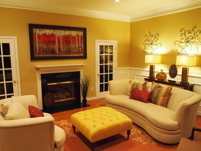 Warm and inviting family room for Warm inviting living room ideas