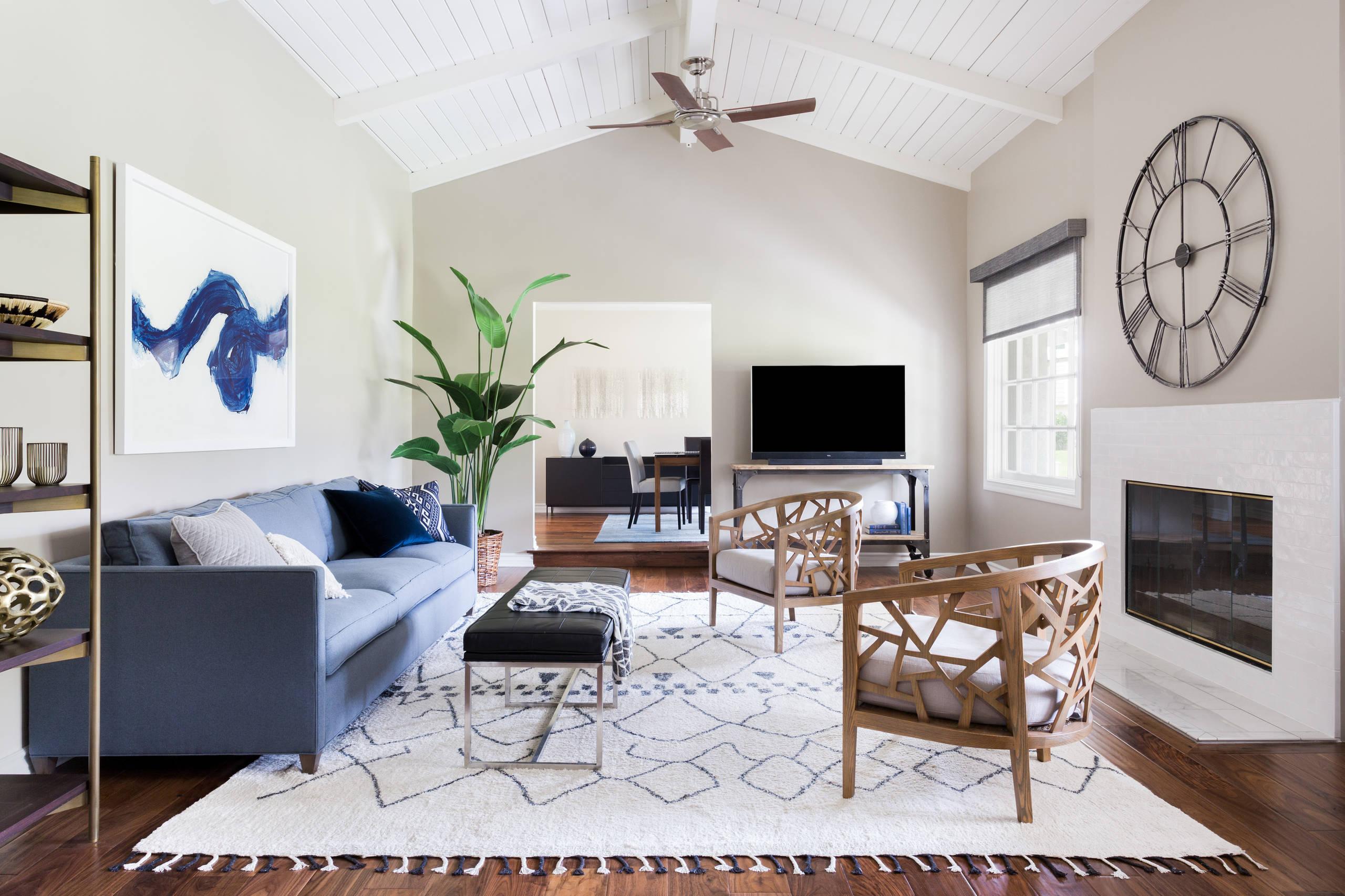 Warm & Modern Living Room